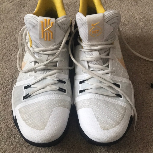 official photos 1fbef 4dc18 Kyrie 3 N7 Size 11.5